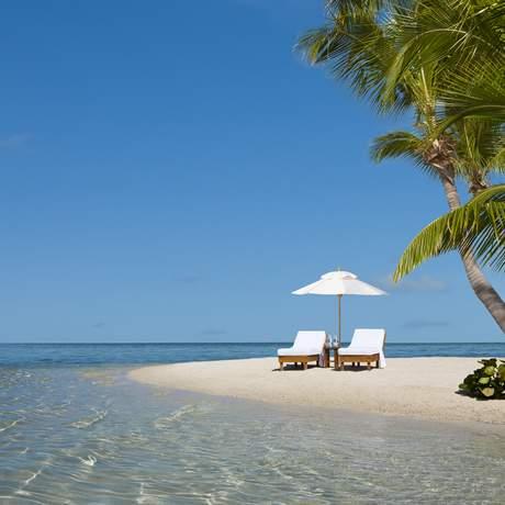 Liegestühle auf einer Insel in Florida