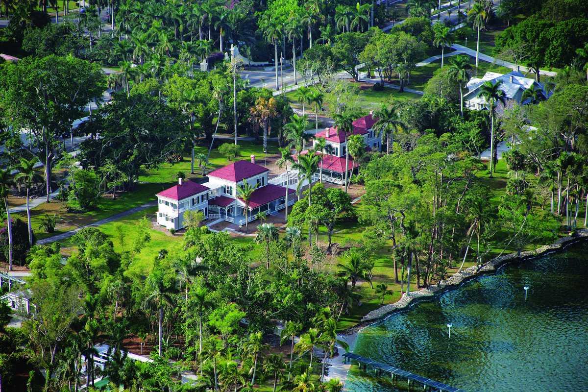 Die Edison and Ford Winter Estates Sehenswürdigkeit aus der Vogelperspektive in Fort Myers
