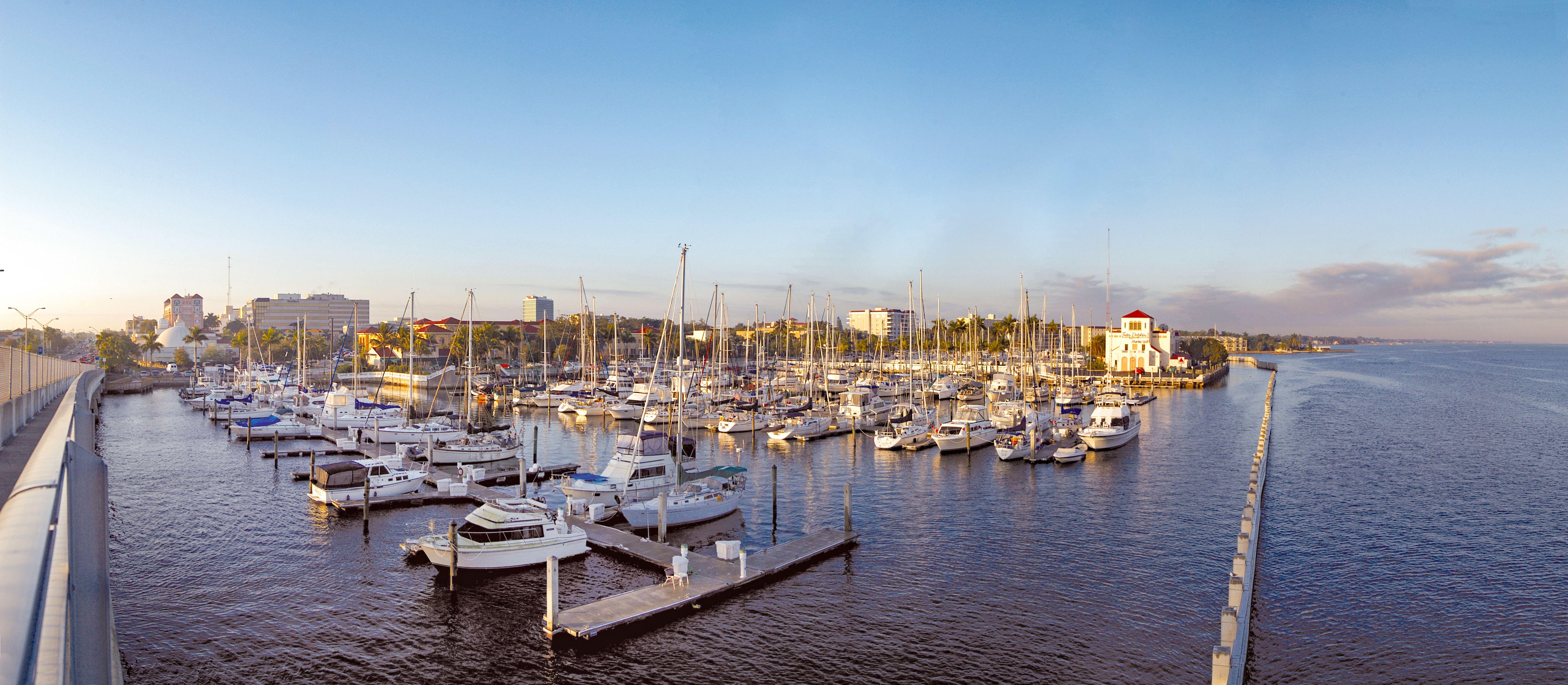 Blick auf einen Hafen in Bradenton, Florida