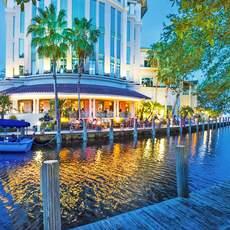 Fort Lauderdale Wasserstrassen bei Nacht, Florida