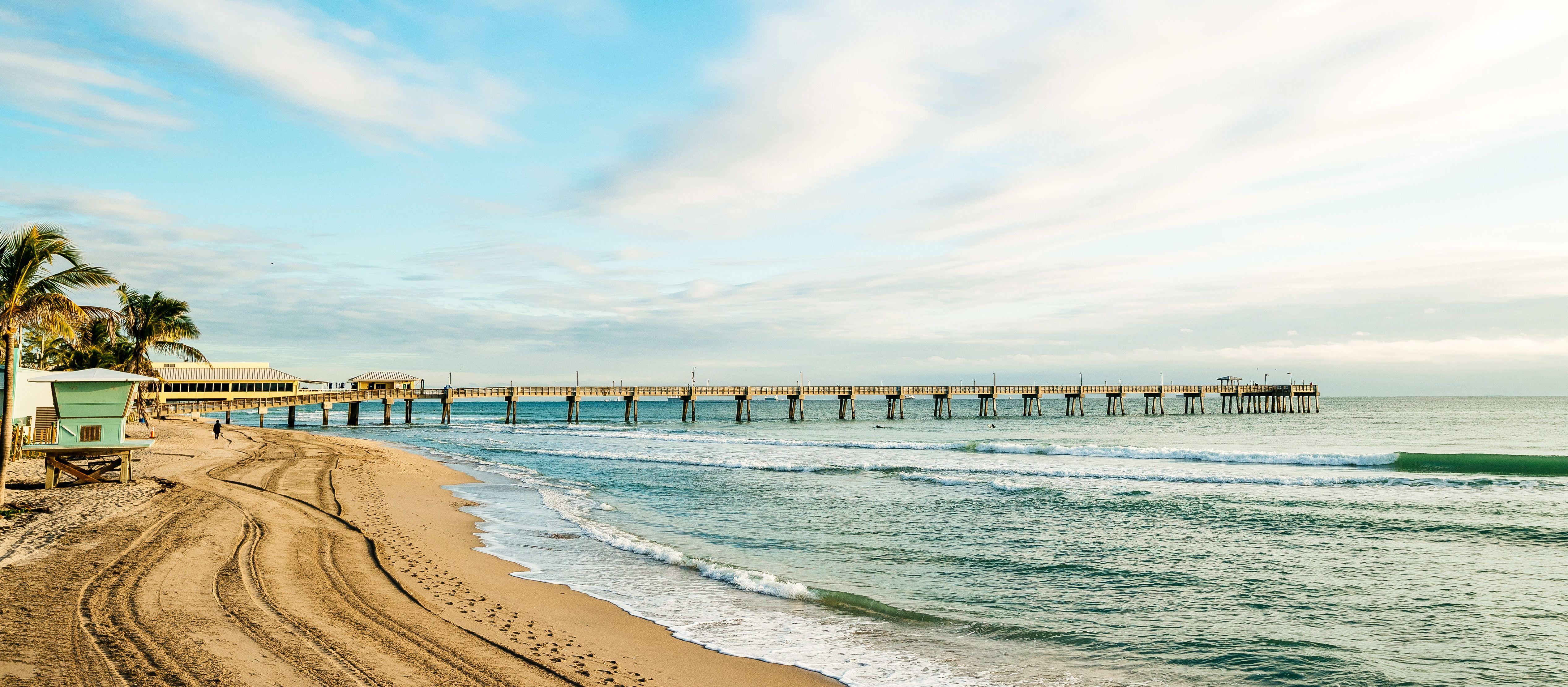 Der Diana Beach Pier in Fort Lauderdale, Florida