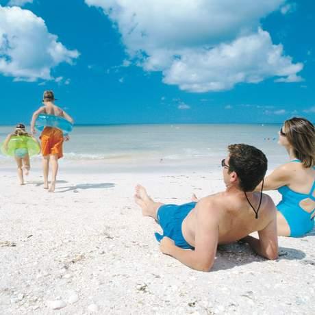 Familie am Strand von Fort Myers