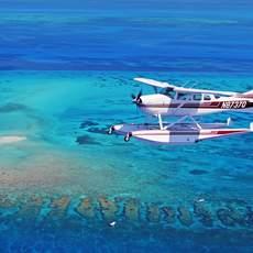 Wasserflugzeug ueber den Keys