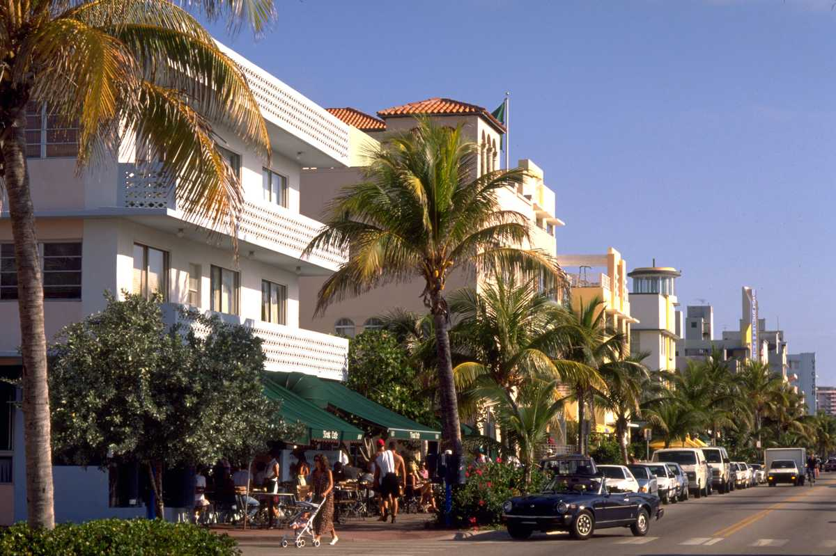 Ocean Drive Cafes