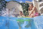 Orlando: Familie im Pool am baden