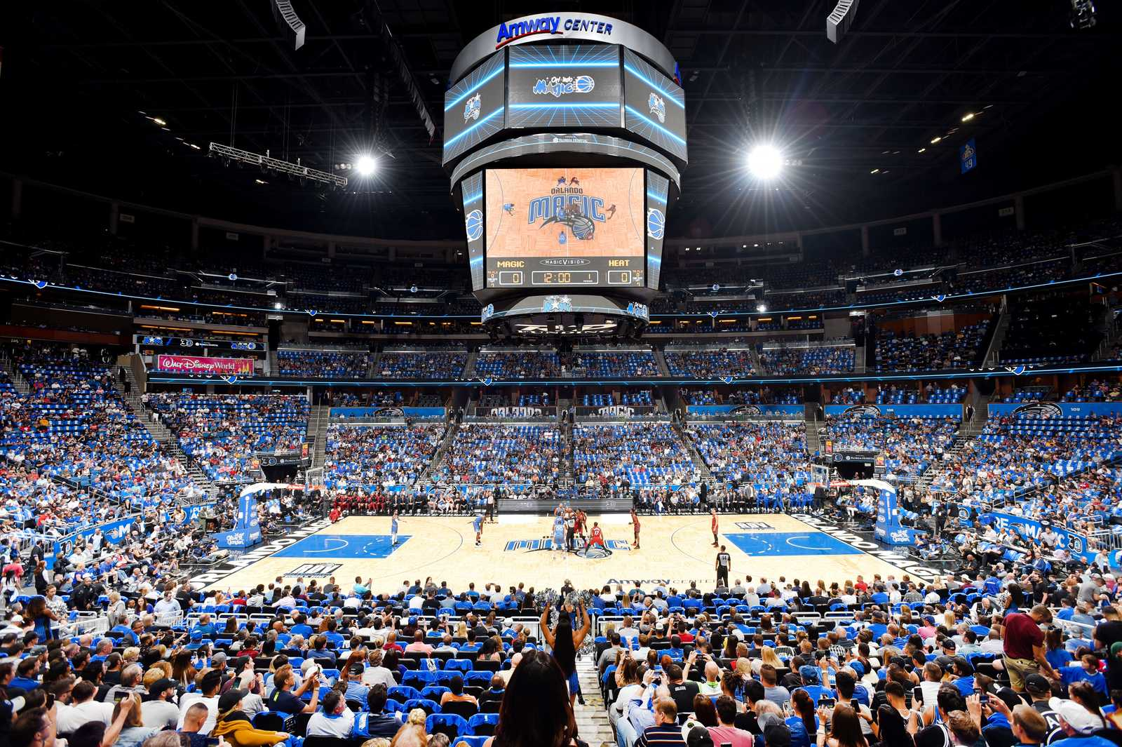 Die Orlando Magic gegen die Miami Heat im Amway Center in Orlando, Florida