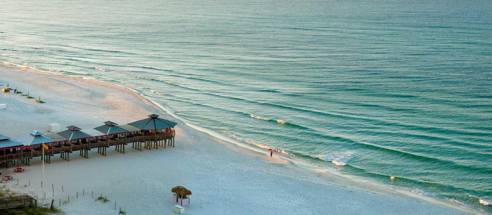 Das Pineapple Willy's Restaurant am Strand von Panama City Beach