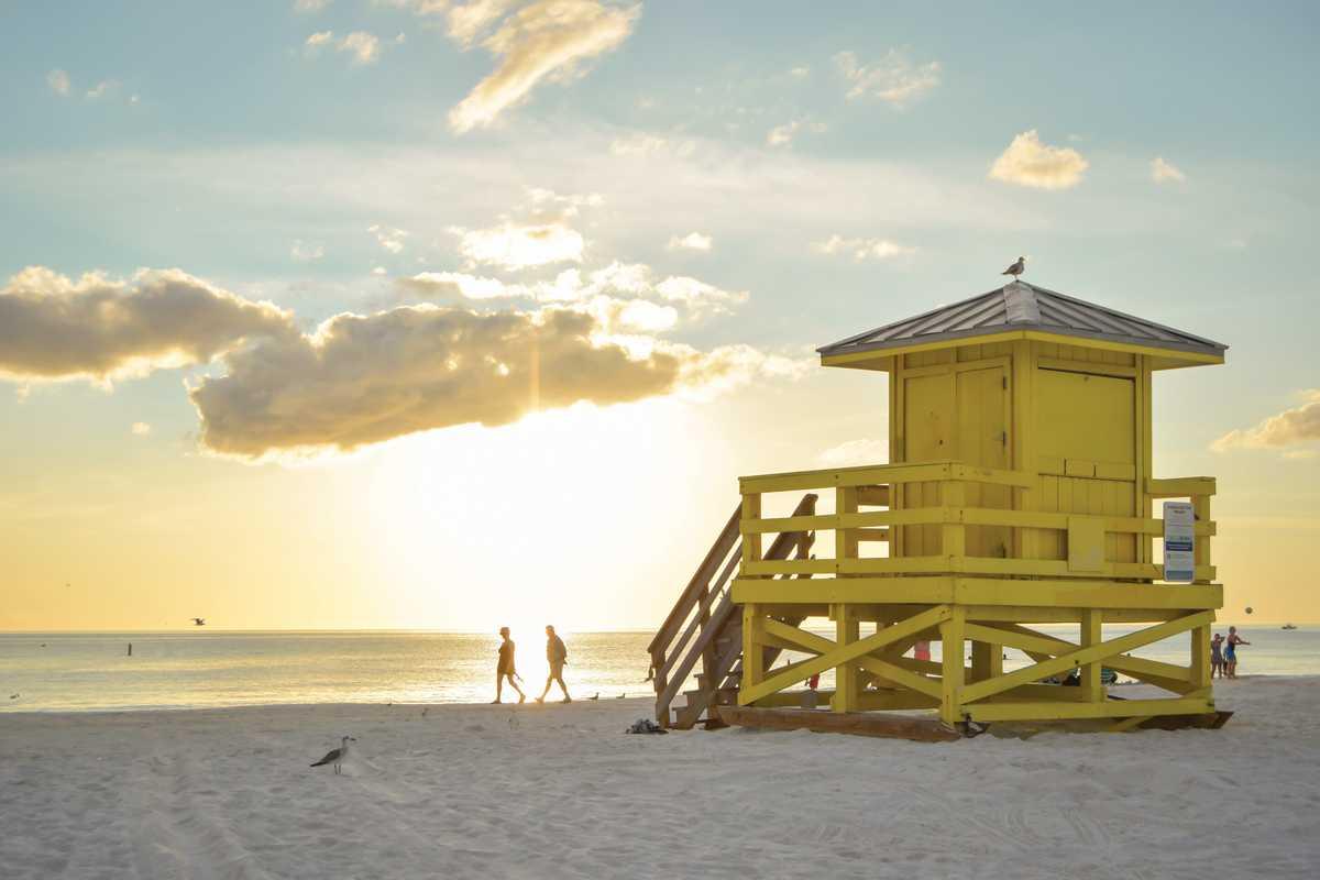 Eine Wasserrettungsstation am Siesta Key Beach von Sarasota