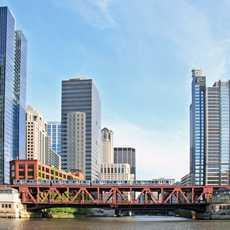 Metro-Bruecke ueber den Chicago River