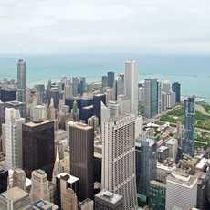 Blick vom Willis Tower ueber die Stadt