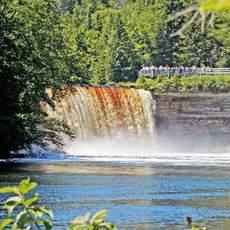 Blick auf die Tahquamenon Falls