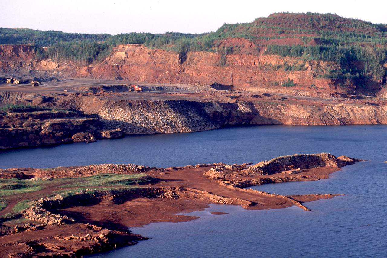 taconite chat If you have questions or comments about the gogebic taconite mining [chat online] duluth news tribune: court puts taconite plant haze taconite mining agency.