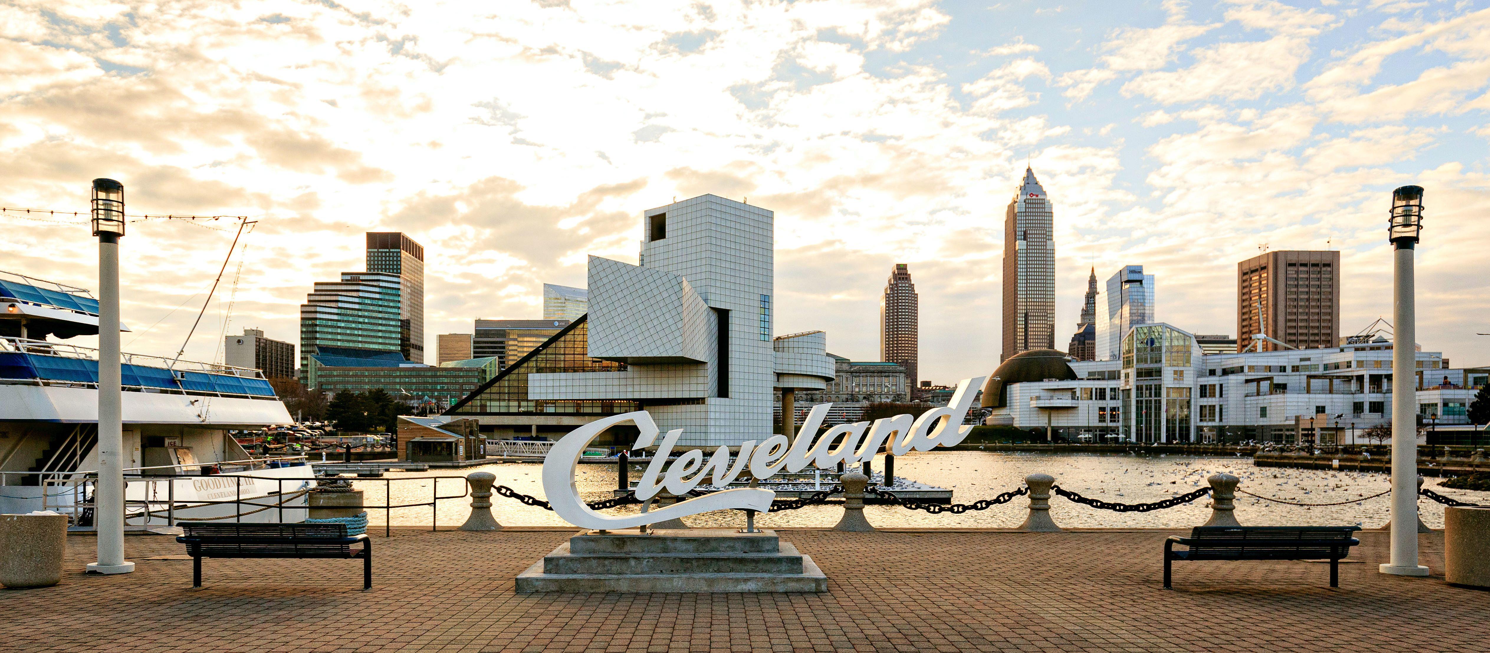 Der Cleveland Schriftzug im North Coast Harbor, Cleveland