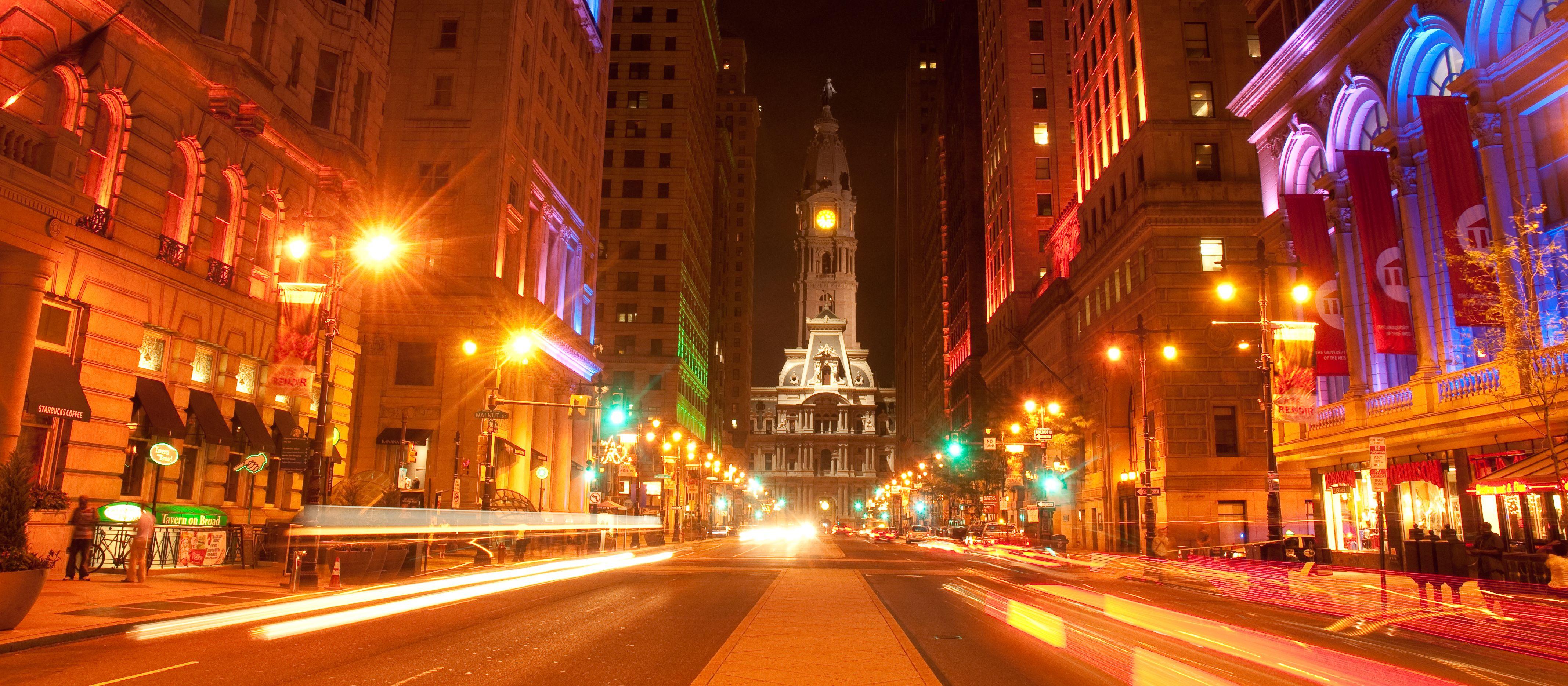 Philadelphia City Hall - Das Rathaus Philadelphias bei Nacht