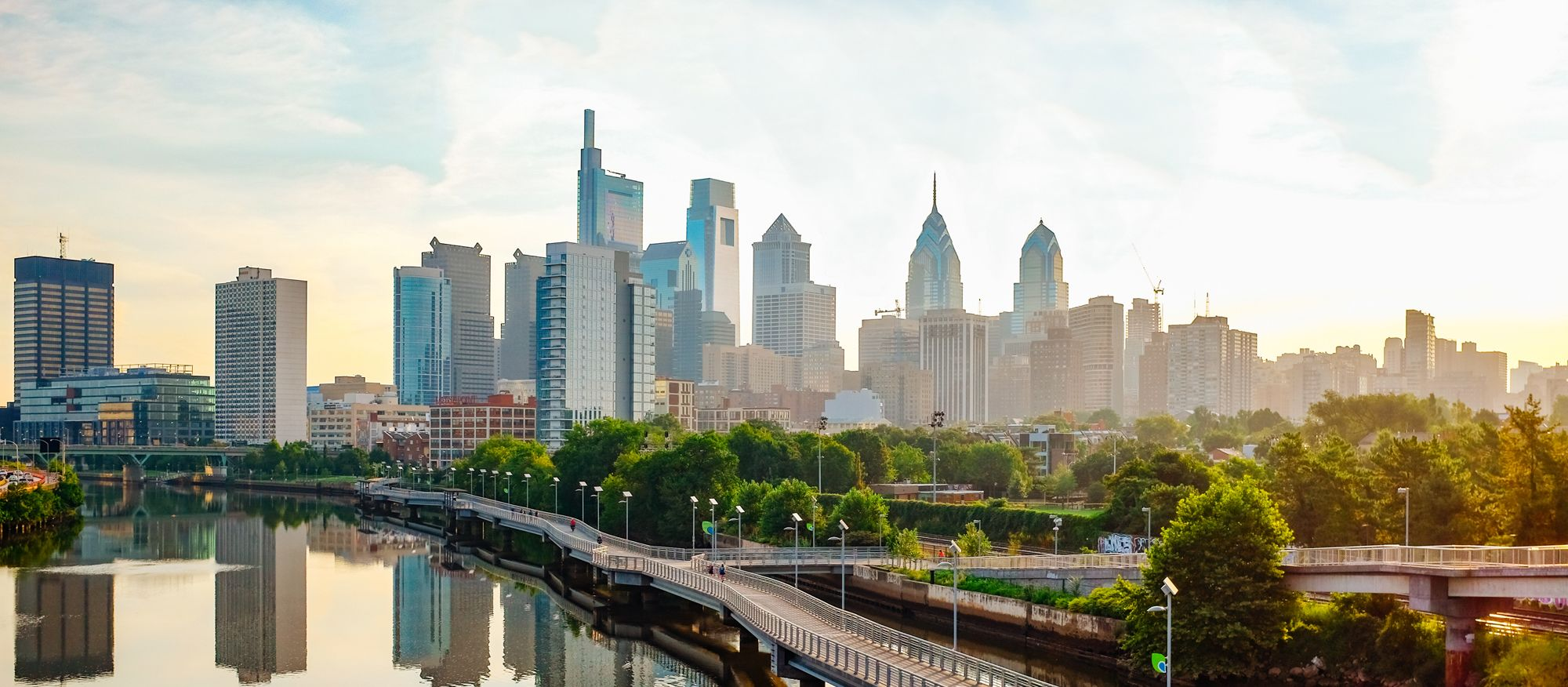 Die Skyline von Philadelphia bei Sonnenaufgang