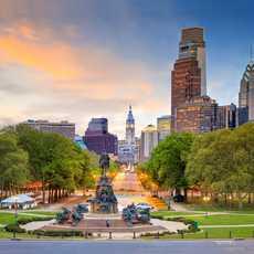 Die Skyline von Philadelphia im Licht des Sonnenuntergangs