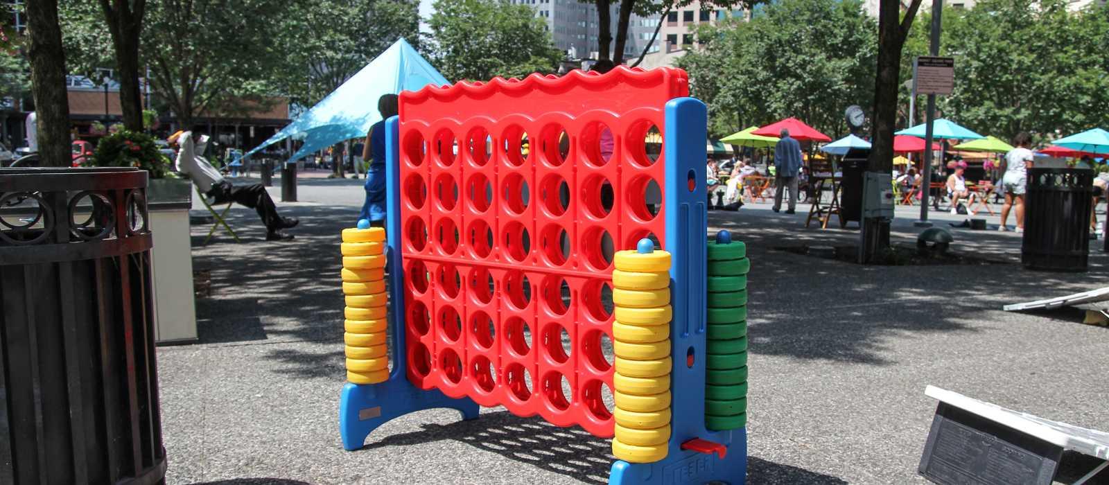 Spielspaß auf dem Market Square in Pittsburgh