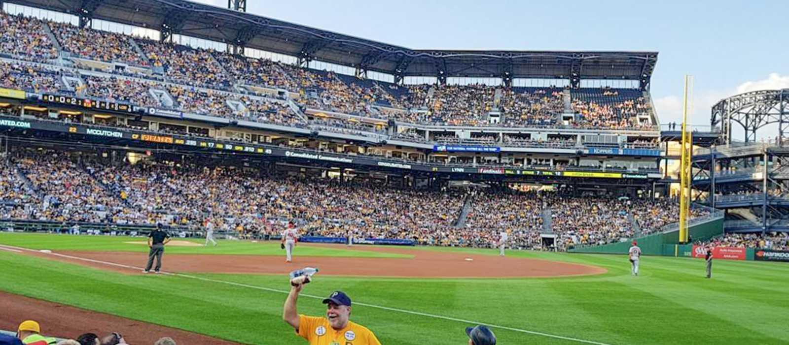 Baseballspiel im PNC Park in Pittsburgh