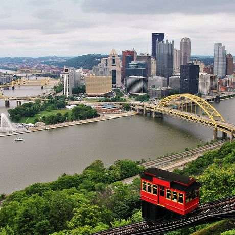 Blick auf Pittsburgh von der Mt. Washington Duquesne Incline Station