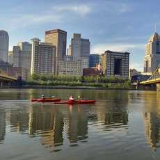 Kayaktour auf dem Allegheny River in Pittsburgh