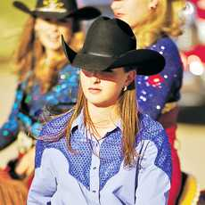 Cowgirls beim Beef Empire Days Rodeo