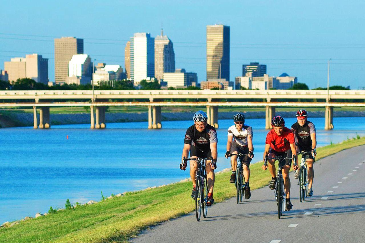 Radfahren am Fluss in Oklahoma City