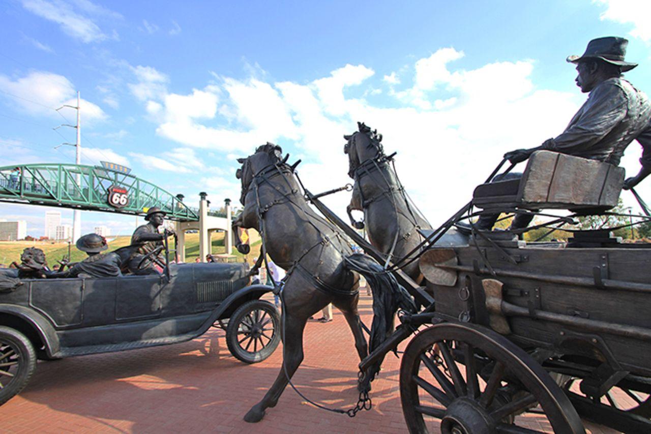 Statue an der Route 66 in Tulsa, Oklahoma
