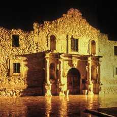 """Die ehemaligen Missionsstation """"Alamo"""" in der texanischen Stadt San Antonio"""