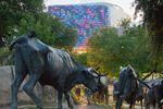 Pioneer Plaza Skulpturen, Credit: Clay Coleman