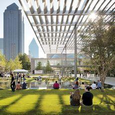 Winspear Opera House und Sammons Park, Dallas