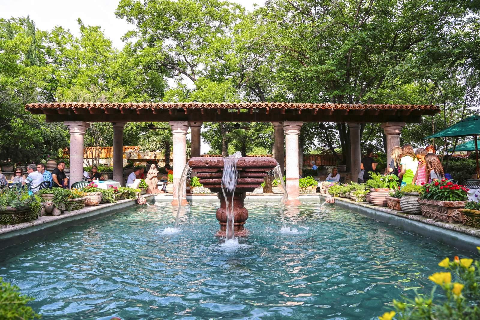 Der Garten des Joe T. Garcia's Mexican Restaurant in Fort Worth
