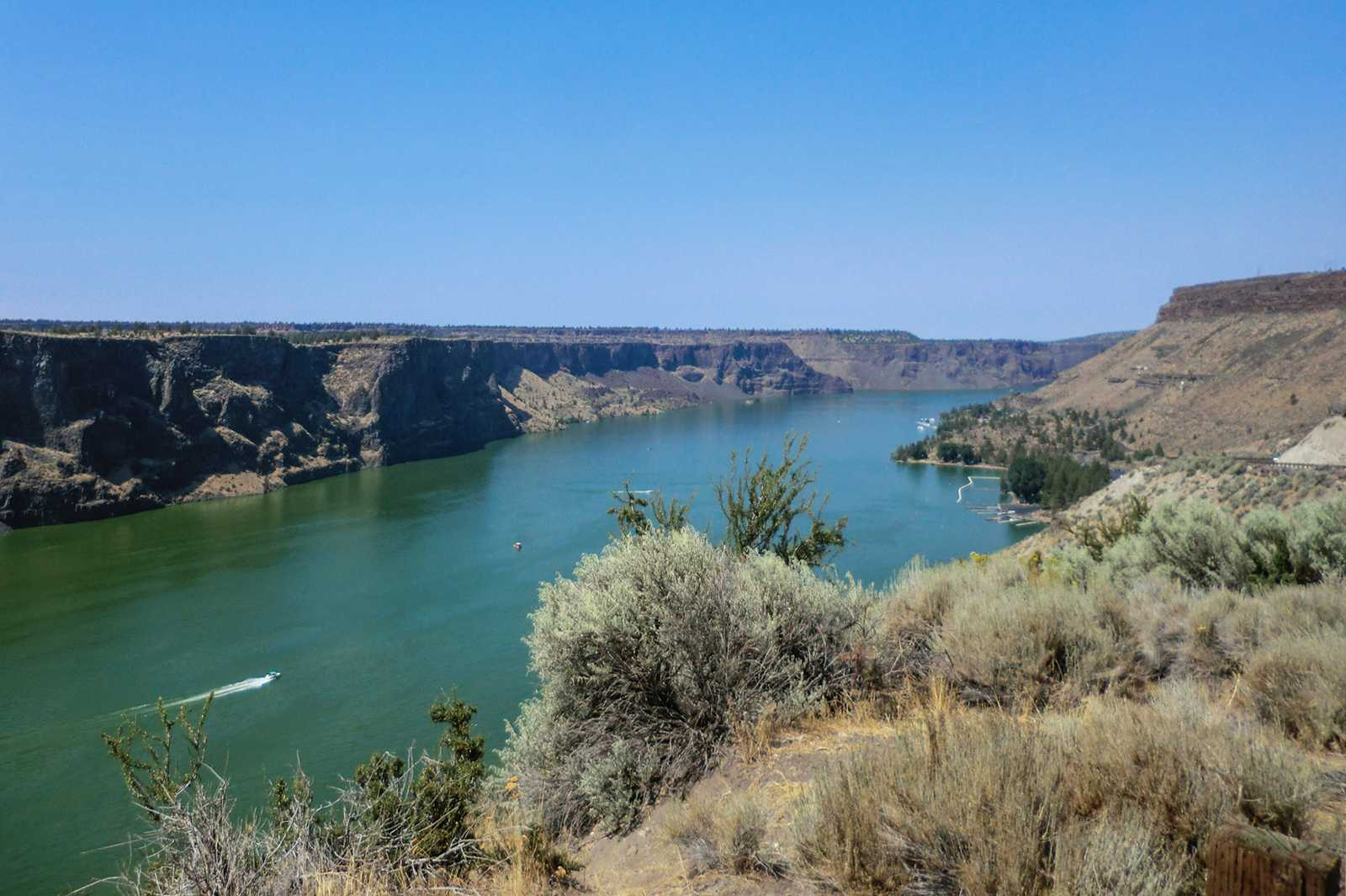 Lake Billy Chinook im Cove Palisades State Park in Oregon