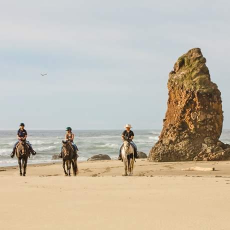 Ausritt am Strand von Florence im US-Bundesstaat Oregon