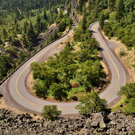 Die Rowena Kurve des historischen Columbia River Highways in Oregon