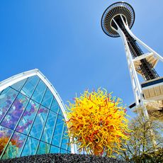 Chihuly Garden and Glass und die Space Needle