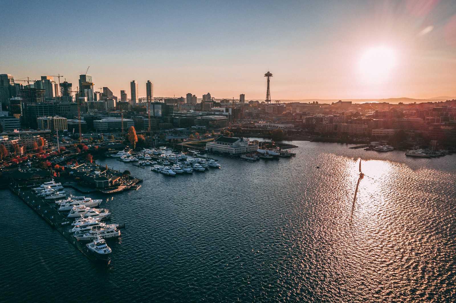 Blick auf den Hafen von Seattle