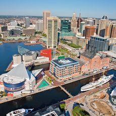 Blick auf den Hafen von Baltimore