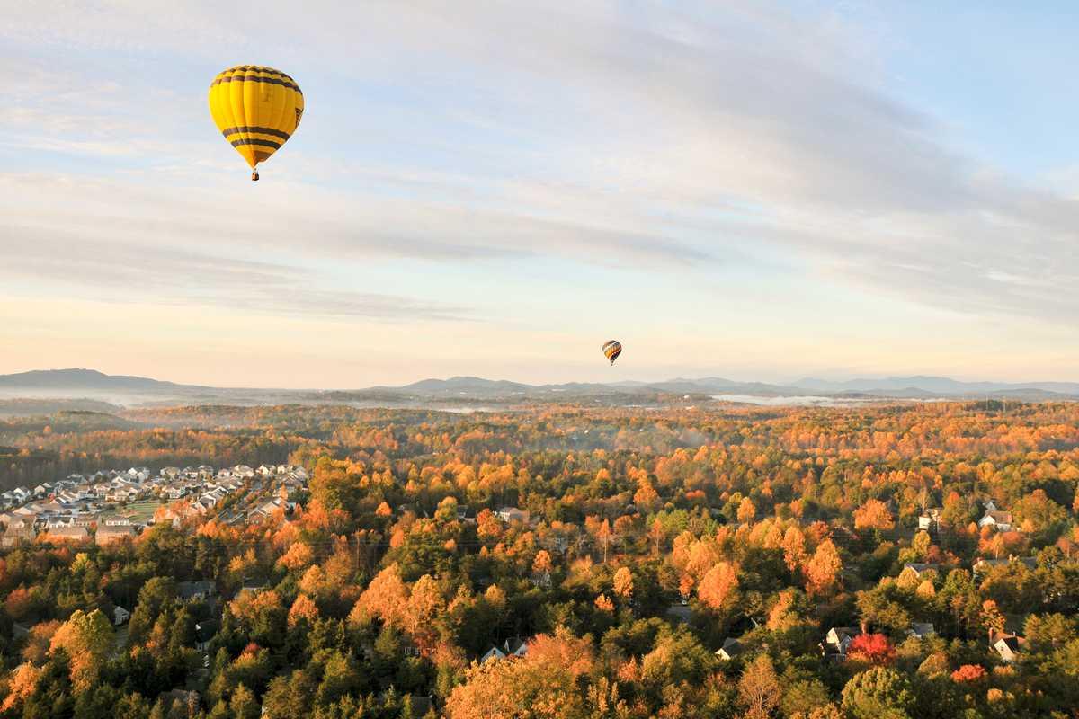 Mit dem Heißluftballon über Charlottesville in Virginia