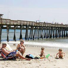 Familie am Fishing Pier