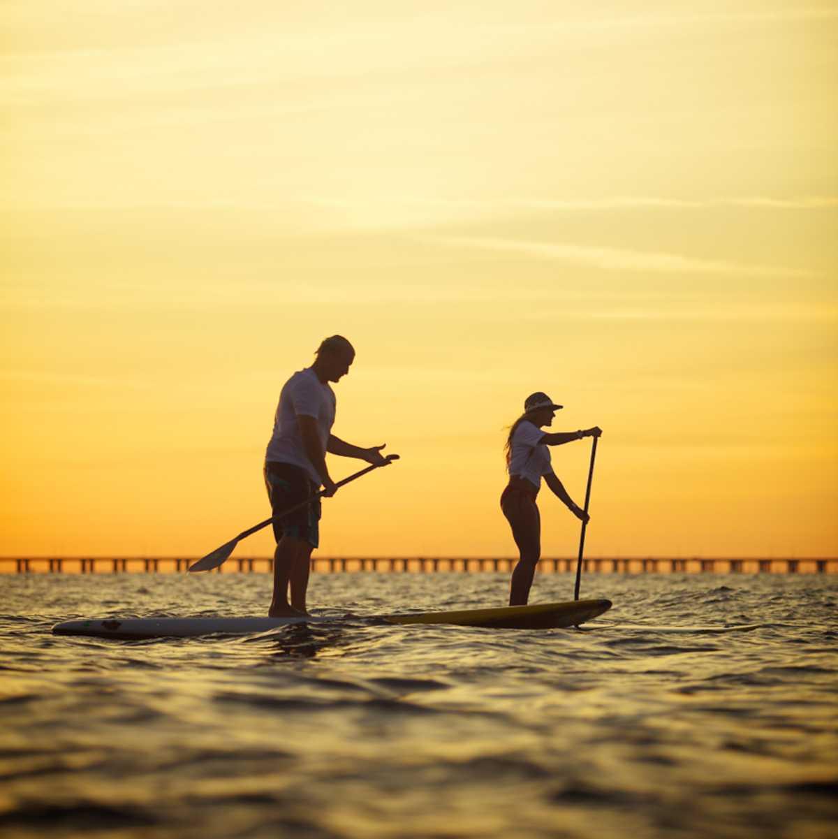 Paddling bei Sonnenuntergang