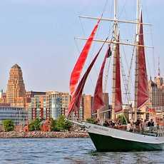 Segelschiff auf dem Lake Erie vor Buffalo City