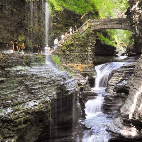 Ein Wasserfall im Watkins Glen State Park im US-Bundesstaat New York