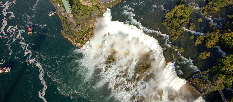 Luftaufnahme von den American Falls des Niagara Rivers in den USA