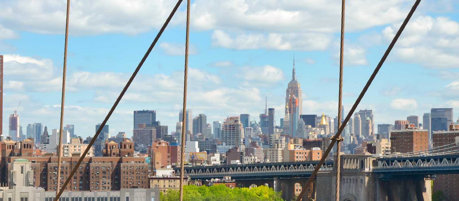 Die Ausssicht von der Brooklyn Bridge in New York City