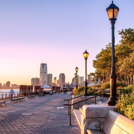 Sonnenuntergang am Battery Park in New York City