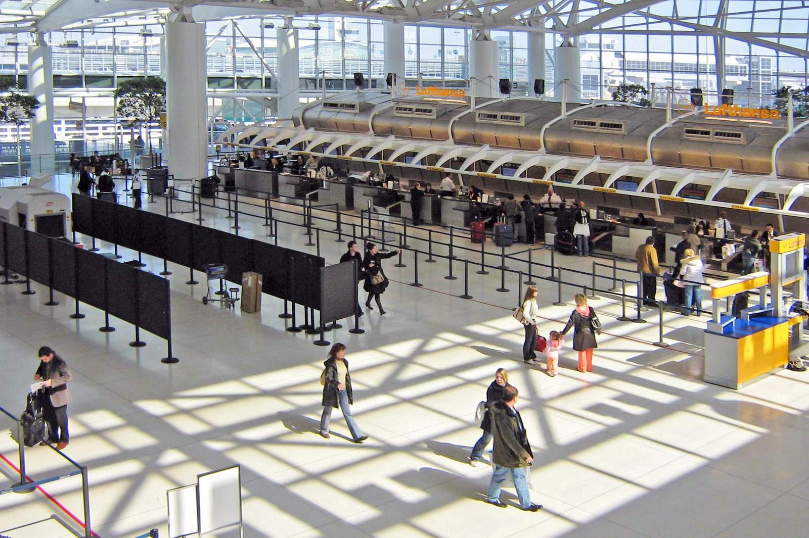 Impression Terminal 4 JFK Airport