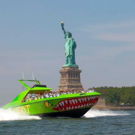 Speedboat Statue of Liberty