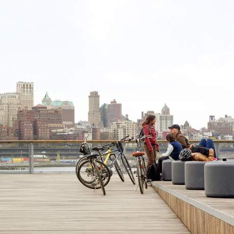 Pier 15 des East River Park Esplanade in New York City