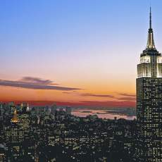 Empire State Building in der Abenddaemmerung
