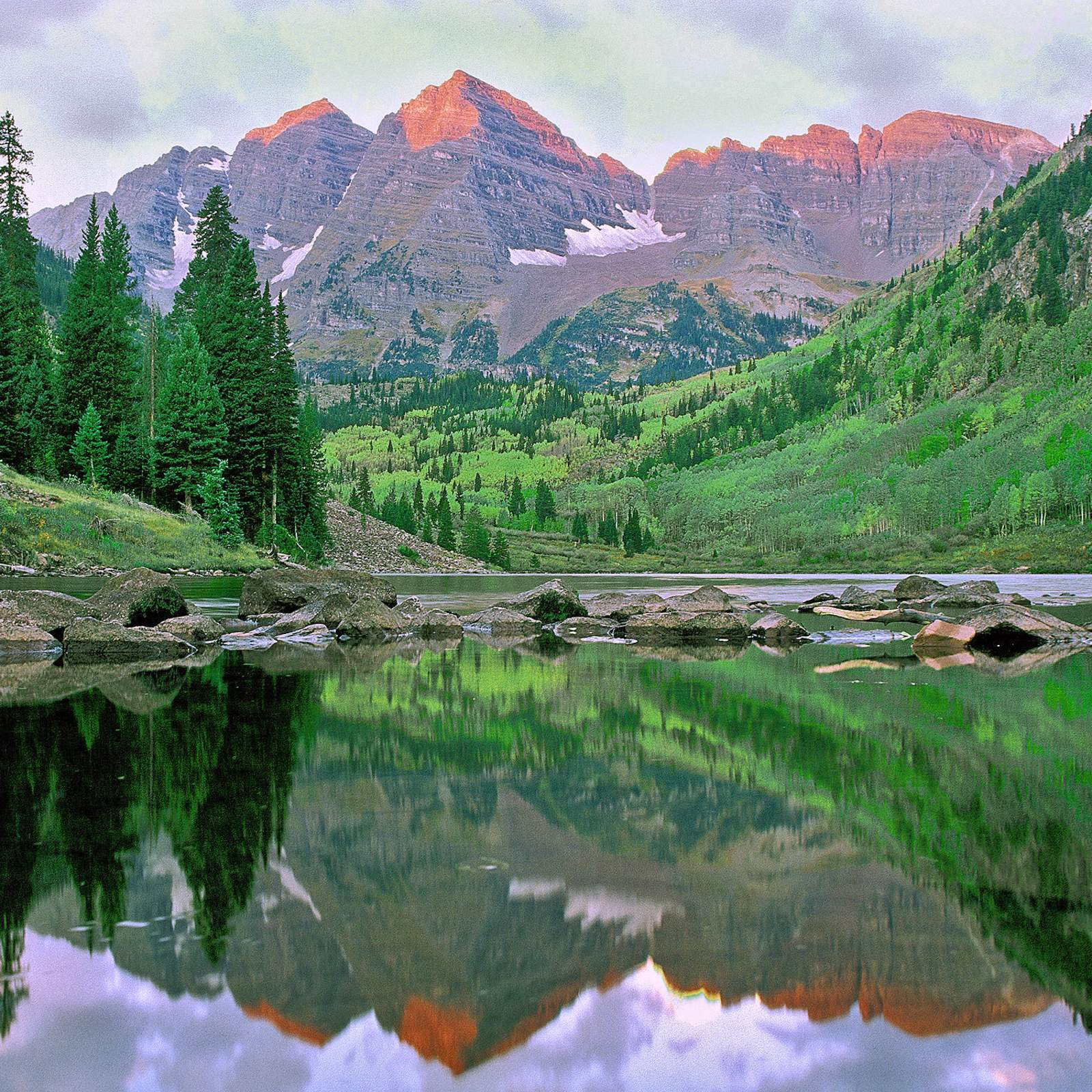 Die Maroon Bells in den Elk Mountains